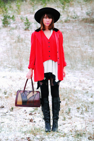 red vintage - ivory dress - black House of Holland tights - black Florentini & B