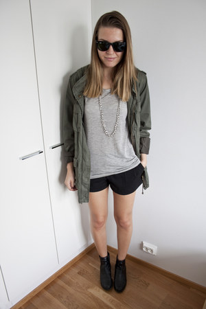 black H&M boots - forest green H&M jacket - black H&M shorts