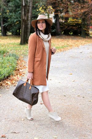 tawny OASAP coat