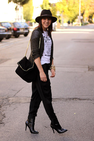 black Zara pants