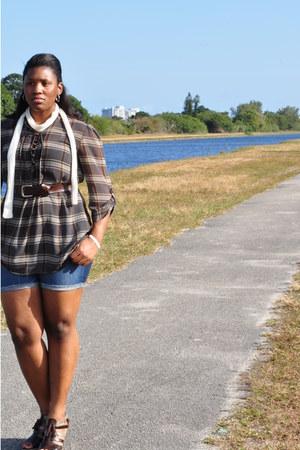 dark brown New York & Company shirt - blue Gap shorts - dark brown Evanscouk hee