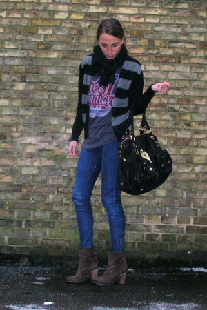 blue Stella McCartney jeans - gray Secondhand t-shirt - black Secondhand cardiga