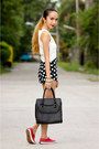 Red-keds-shoes-black-maxenes-bag-black-black-five-shorts