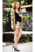black tiger print blazer