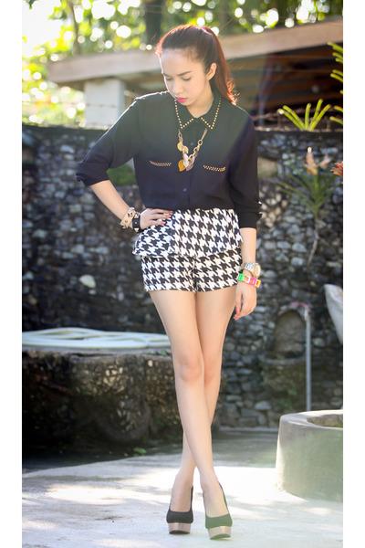 black pinkaholic shorts - black Forever 21 top