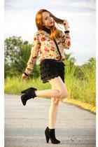 neutral pinkaholic top - black suede Topshop boots - black crochet shorts