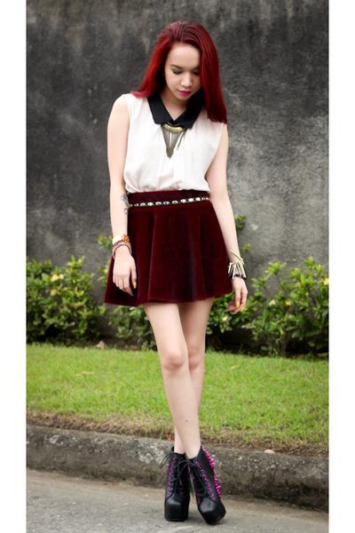 crimson faux fur OASAP skirt