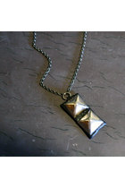 Silver-wildcatters-necklace