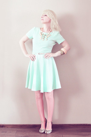 aquamarine H&amp;M dress - salmon Calzedonia tights - light pink necklace