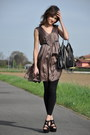Light-brown-max-co-dress-black-stella-mccartney-bag-black-max-bianco-heels