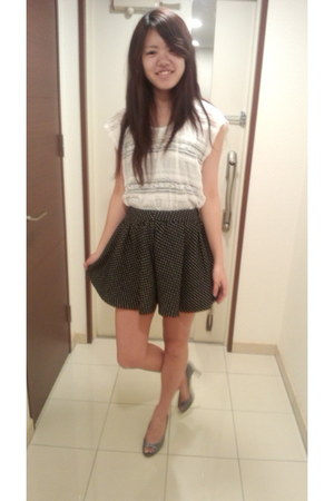 white lace top Bye Bye shirt - black One Way skirt - heather gray esperanza heel