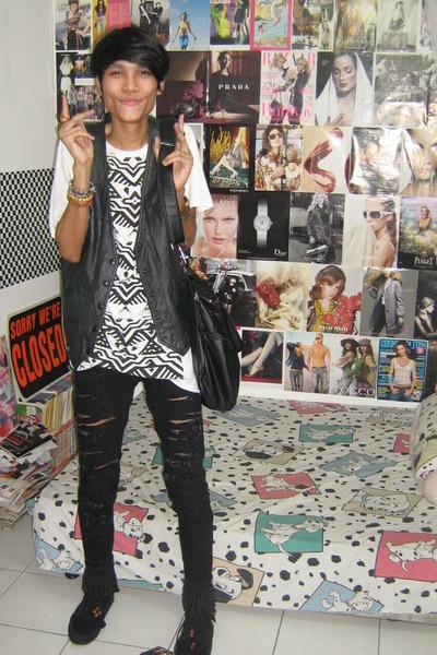 Topshop top - vintagedad closet vest - Mango jeans - mitchybellindonesia boots -