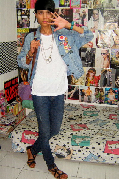 vintage jacket - t-shirt - random necklace - Zara jeans - Zara - accessories