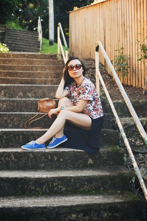 bangkok t-shirt - Sara Barner bag - Paing Shop shorts - Vans sneakers