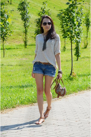 Cubus shorts - Zara sweatshirt - reserved sandals