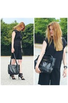 black vintage bag - black Zara shorts - black Zara heels