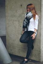 H&M scarf - elle flats - Zara pants - H&M sweatshirt