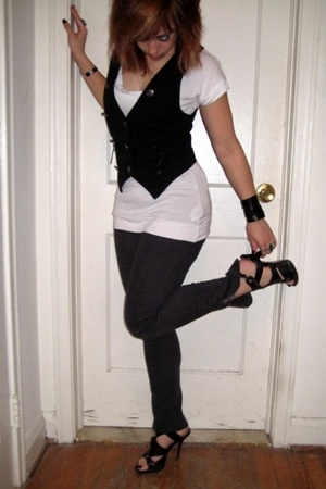Abbey Dawn vest - H&amp;M t-shirt - forever 21 pants - Bakers shoes - accessories