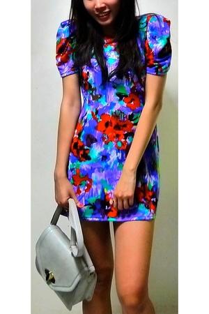 blue unknown brand dress - gray unknown brand accessories