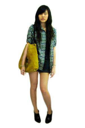Mango top - Mango shorts - shirt - Gaudi accessories - Chrysalis boots - bracele