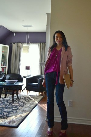 navy American Eagle jeans - pink H&M blazer - tan clutch American Apparel bag -