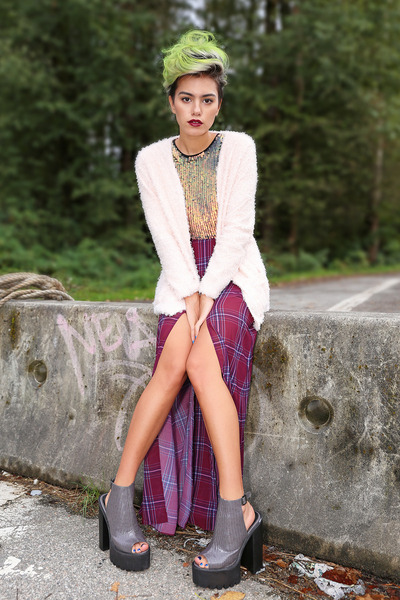 magenta stevie skirt Gentle Fawn skirt - light pink fuzzy cardigan H&M sweater