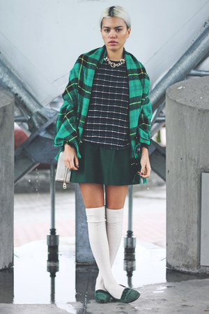 dark green a-line OASAP skirt - green plaid H&M scarf - tan Forever 21 bag