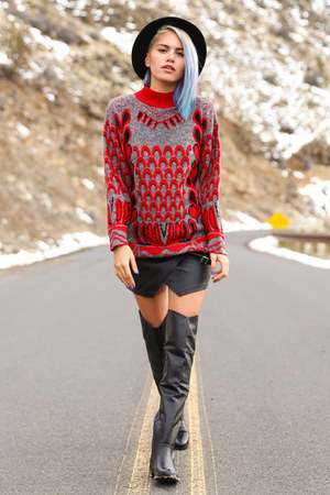 red graphic vintage sweater - black Nasty Gal dress