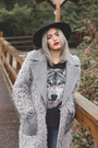 Black-felt-boater-asos-hat-heather-gray-shaggy-asos-jacket