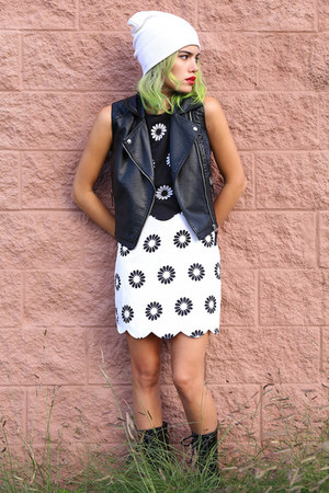 black Missguided dress