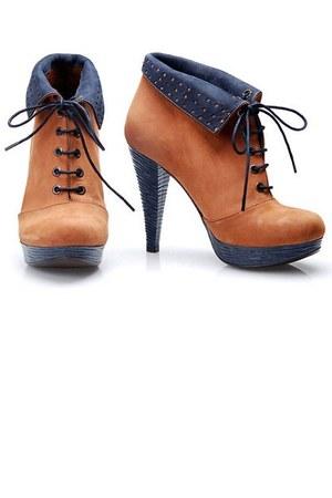 lace heels