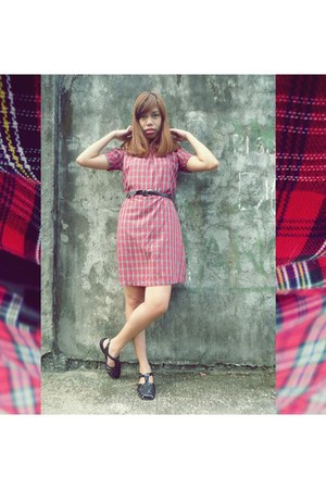 ruby red tartan vintage dress - black jelly shoes rubi sandals