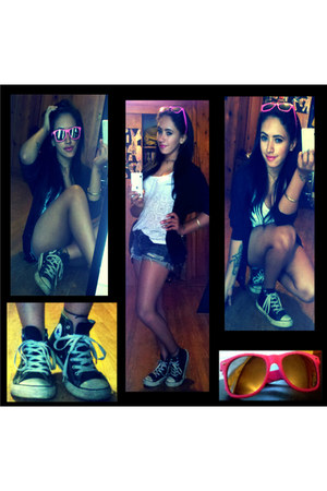 navy Rue 21 shorts - bubble gum unknown sunglasses - black Converse sneakers