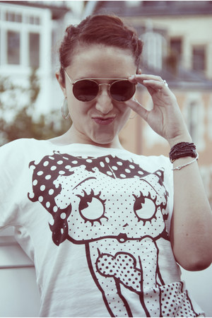 vintage sixties Ray Ban sunglasses - Pimkie t-shirt