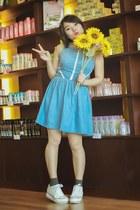white hair accessory - light blue denim dress dress - charcoal gray socks