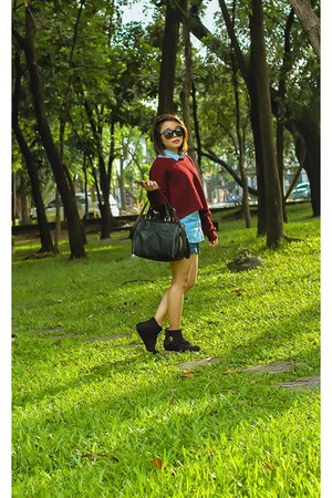 black boots - brick red Forever 21 sweater - black bag - navy shorts