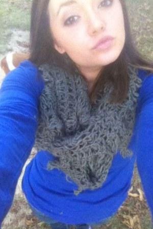 silver knitted rue21 scarf - blue cozy Walmart shirt