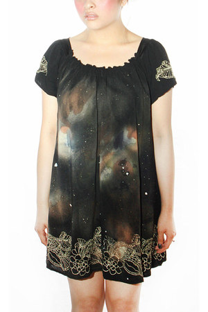 black nebula dknstrkt dress