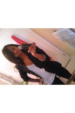 black isaac mizrahi blazer - white Forever 21 t-shirt - black Forever 21 legging