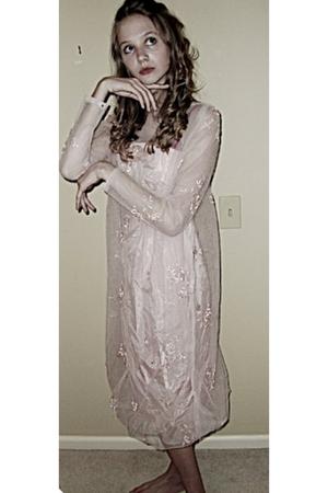 Gigis Own dress