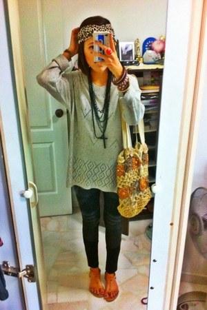 TheScarletRoom leggings - thrifted vintage bag - Forever 21 sandals - Forever 21