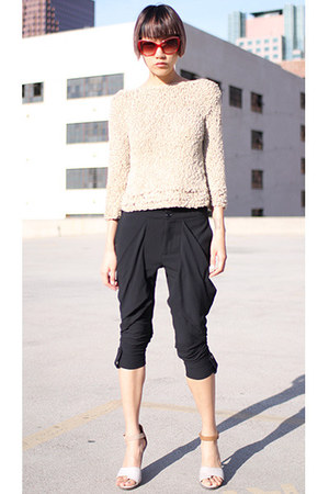 black Alice & Olivia pants - beige vintage sweater - red Derek Lam sunglasses