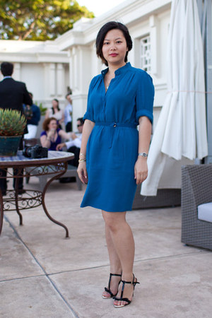 blue Diane Von Furstenberg dress - black Zara heels
