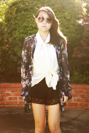 ivory sheet button-up papaya top - black lace bloomers Iris shorts