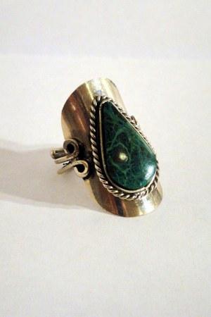 dark green faux stone vintage ring