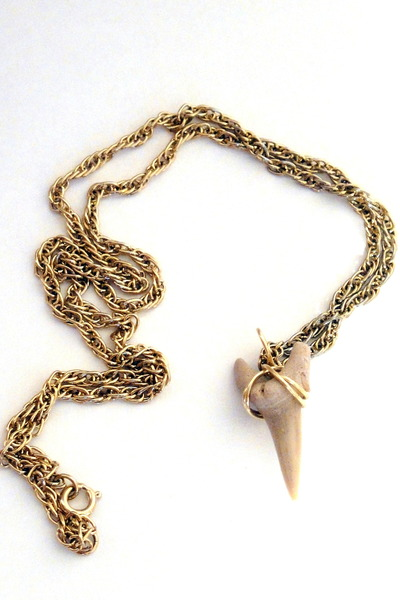 gold Total Recall Vintage necklace