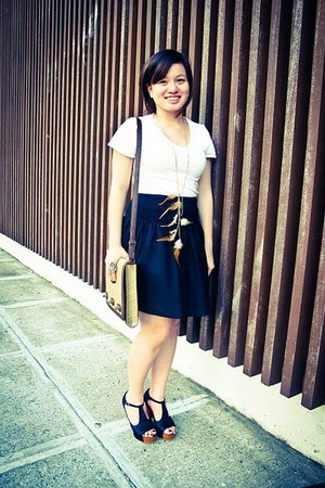 white bench shirt - brown Aranaz bag - black H&M skirt - black Asian Vogue heels