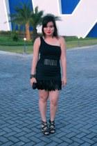 black studded Parisian heels - black feathered Forever 21 skirt