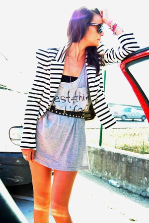 gray H&amp;M top - white Zara blazer - black Bimba y Lola belt - vintage accessories