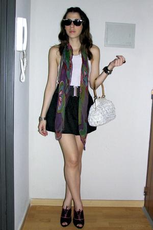 black la ostia skirt - purple vintage scarf - white vintage bag